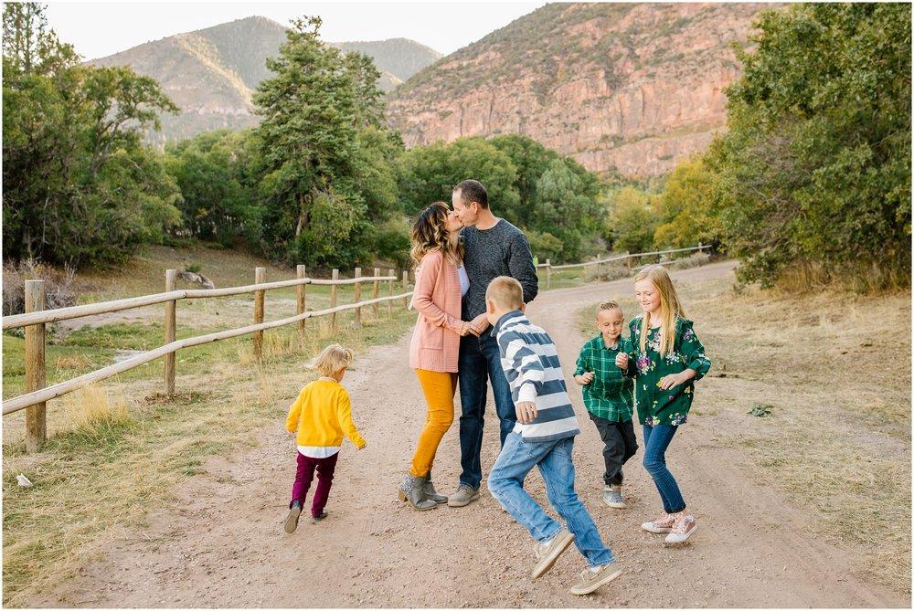 CominMini-48_Lizzie-B-Imagery-Utah-Family-Photographer-Utah-County-Central-Utah-Park-City-Salt-Lake-City.jpg