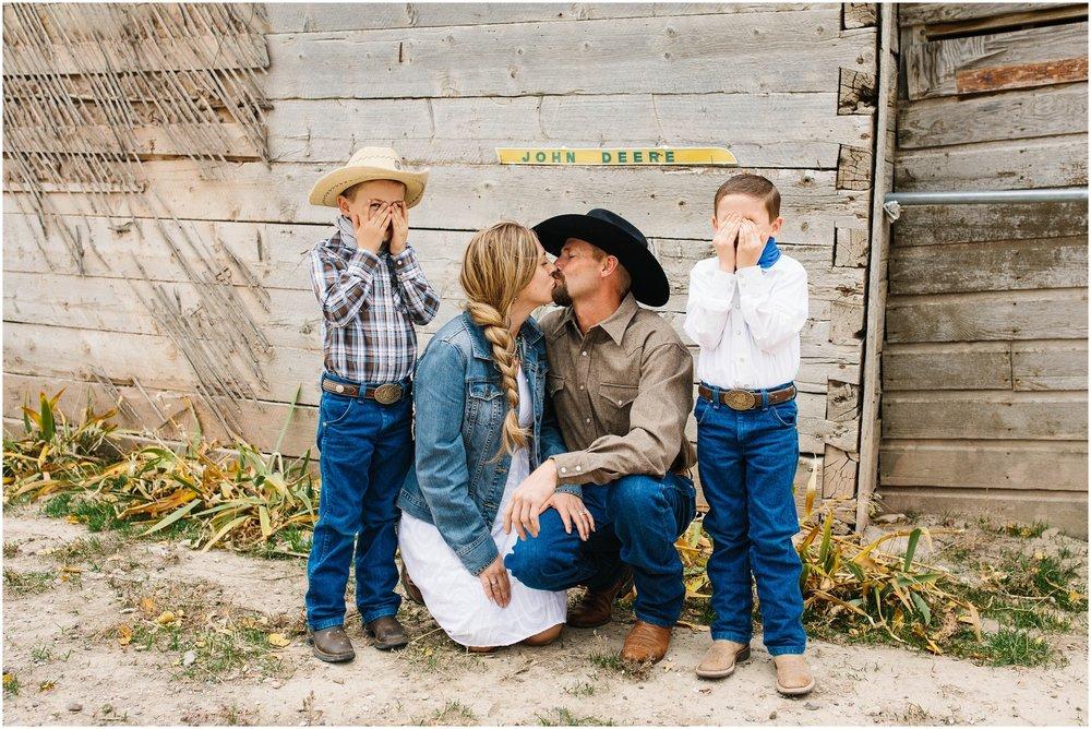 Lister-9_Lizzie-B-Imagery-Utah-Family-Photographer-Salt-Lake-City-Park-City-Utah-County.jpg
