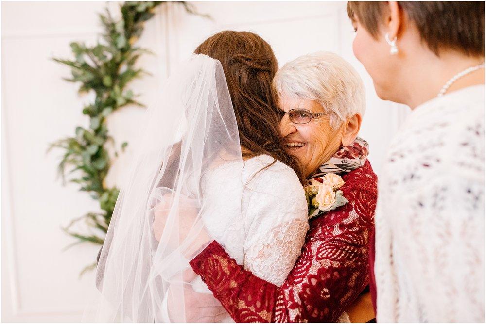 SS-Wedding-431_Lizzie-B-Imagery-Idaho-Utah-Wedding-Photographer-Salt-Lake-City-Park-City-Logan-Utah-Temple.jpg
