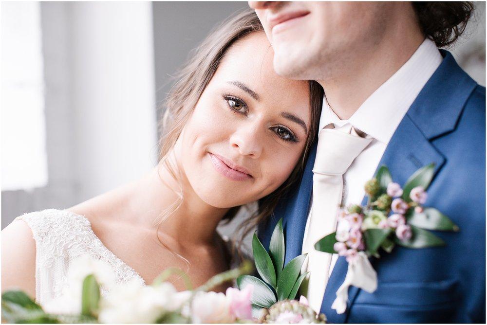 Lizzie-B-Imagery-Utah-Wedding-Photographer-Salt-Lake-City-Park-City-Utah-County_0045.jpg
