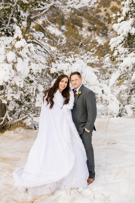 SSBridals-78_Lizzie-B-Imagery-Utah-Wedding-Photographer-Logan-Temple-Logan-Canyon-Mountain-Horse-Session.jpg