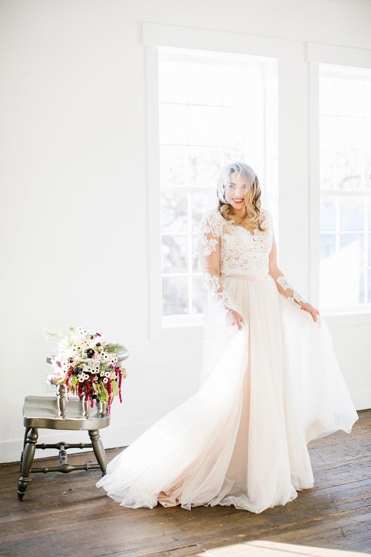 748A1218-Edit-57_Lizzie-B-Imagery-Utah-Wedding-Photographer-Park-City-Wedding-Photographer-The-Loft-Studio-Lehi-Utah.jpg