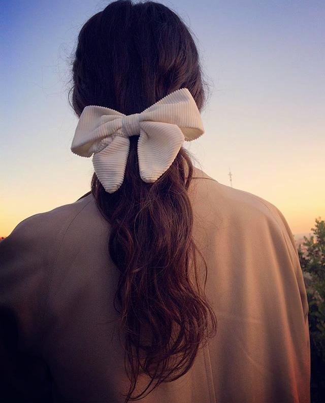 marie-aragon-noeuds-cheveux-barrette-broche-coiffure