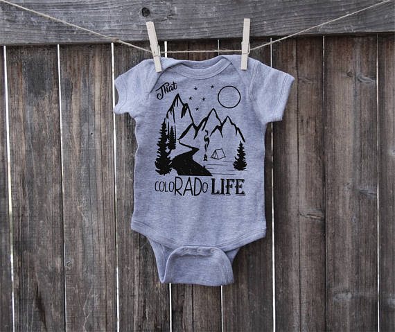 That ColoRADo Life grey baby onesie on Kristiina Craven Photography blog.