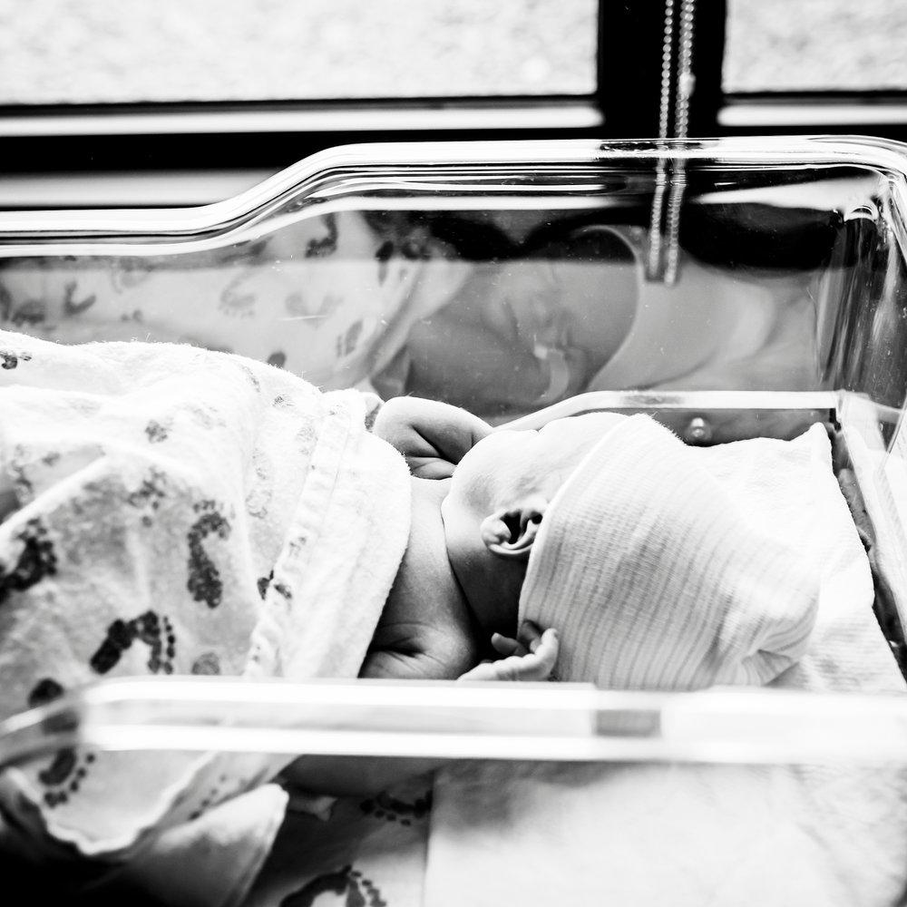 denver-in-hospital-newborn-photos-fresh-48.jpg