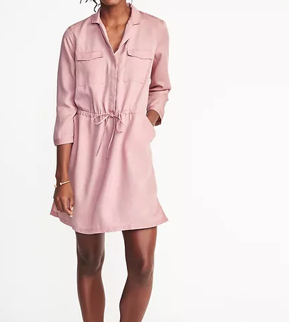 This stylish shirt dress from Old Navy Comes in 4 colors--perfect for my 0ver-40 casual wardrobe!  | GettingUnschooled