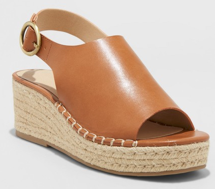 Add these cute wedge sandals to your over-40 wardrobe!  | Getting Unschooled is a blog about unschooling, over 40 fashion, and non-toxic beauty.  Come say hi!