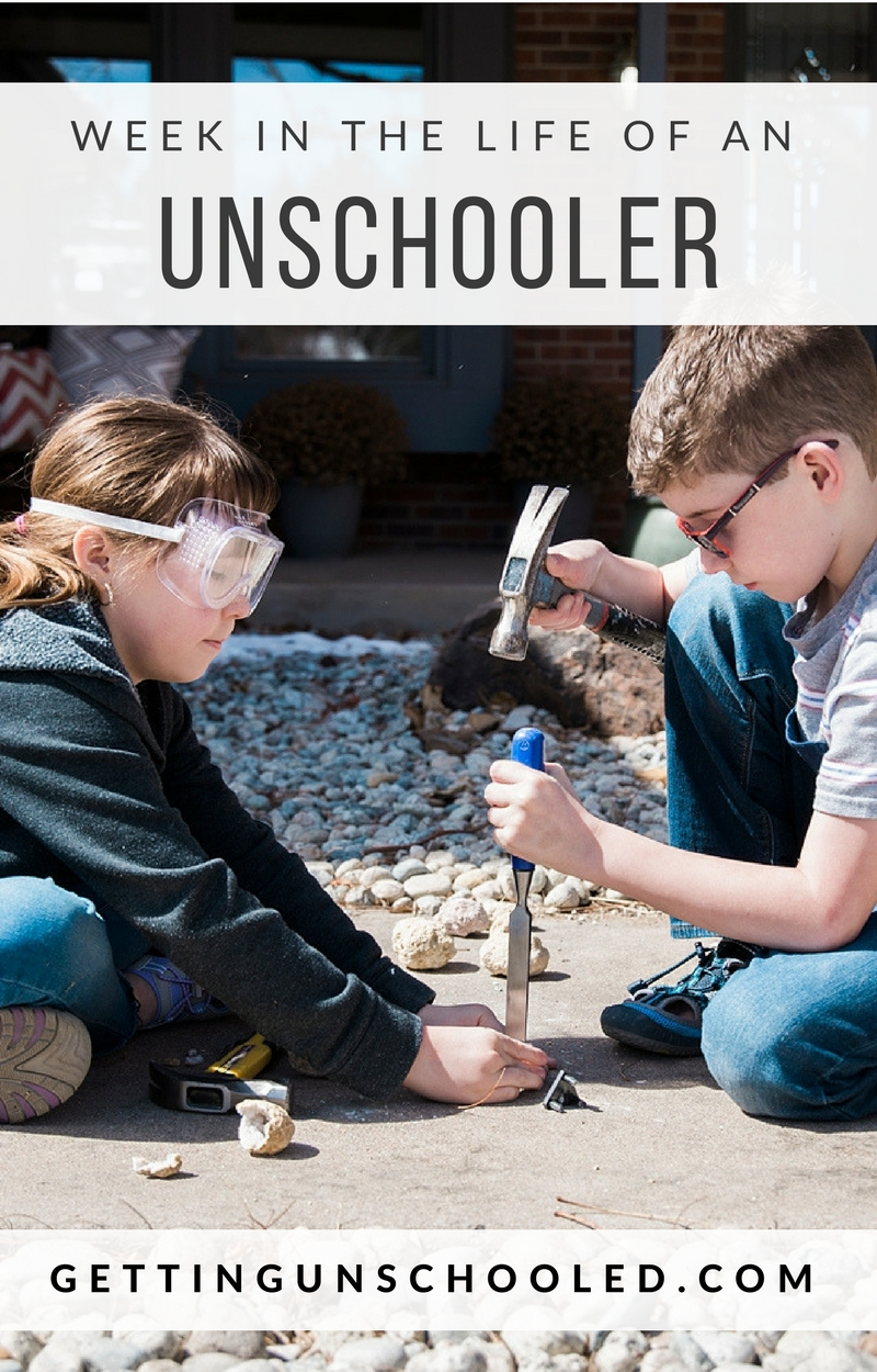 Ever wonder what a typical day in the life of an unschooler looks like?  We've got you covered with a Week in the Life!   So fun :)  Thanks for pinning!  | Getting Unschooled is a family lifestyle blog about unschooling, traveling with kids, over 40 style, and non-toxic products.