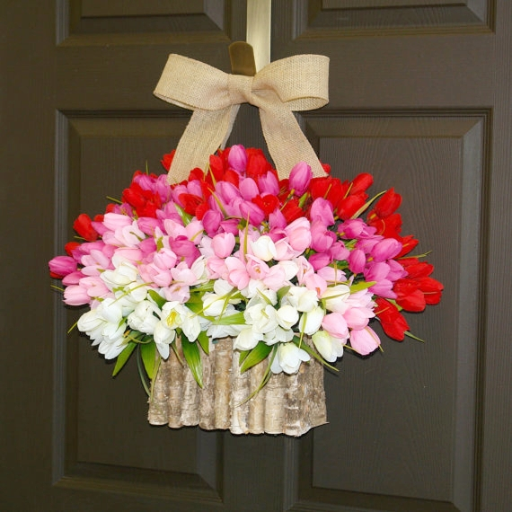 Unique tulip wreath from Aniamelisa comes in a lot of colors and will brighten anyone's door for spring. This and more on my Etsy spring decorating ideas post :)