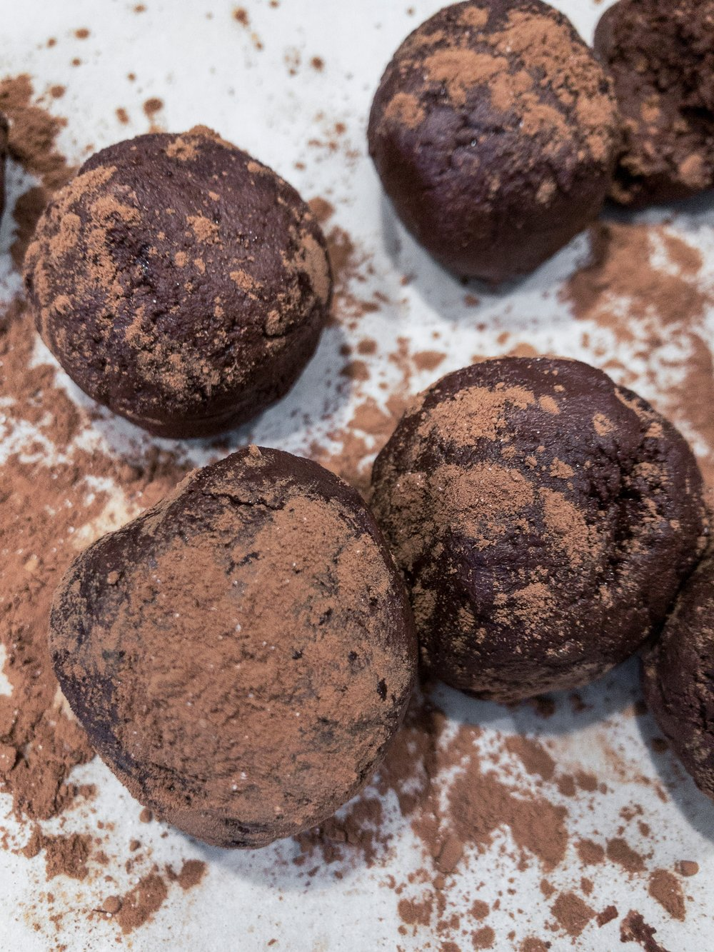 Easy chocolate truffles a how-to post for anyone on the Keto Diet.