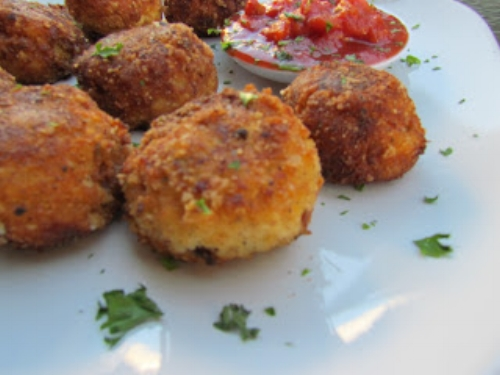 cheese bacon and cauliflower bites fat bomb recipe.jpg