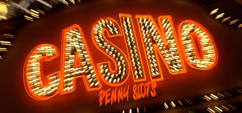 online-casino-blackjack-slots.jpg