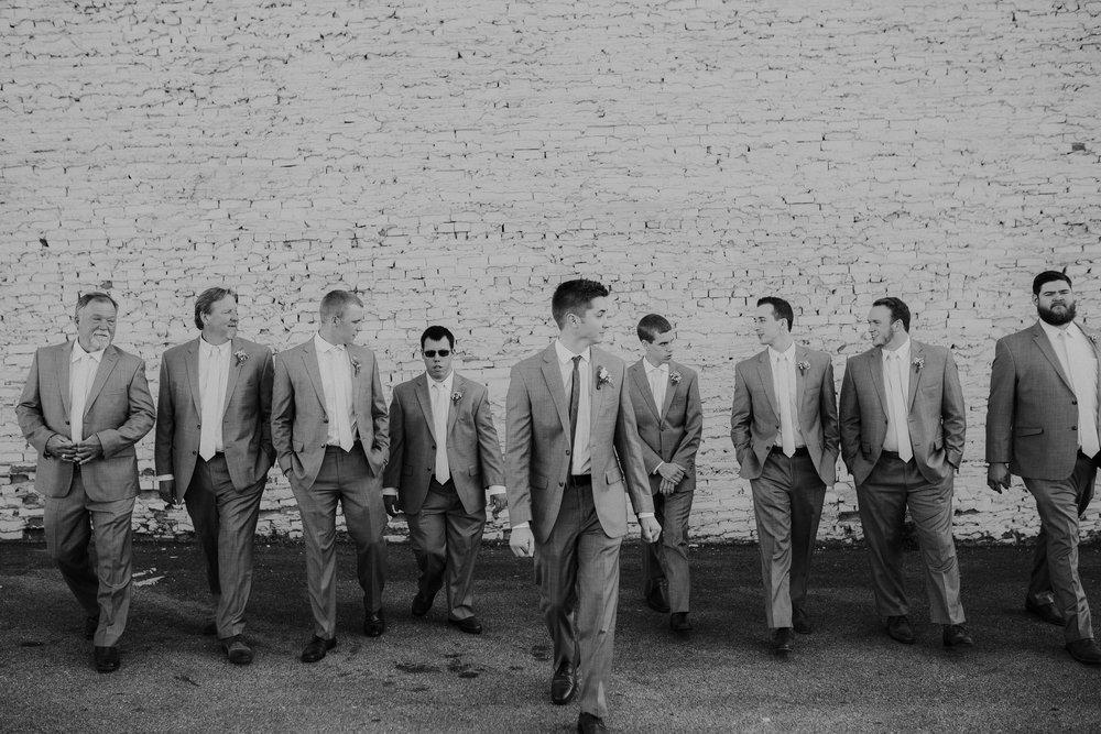 groomsmen.GR00123.jpg