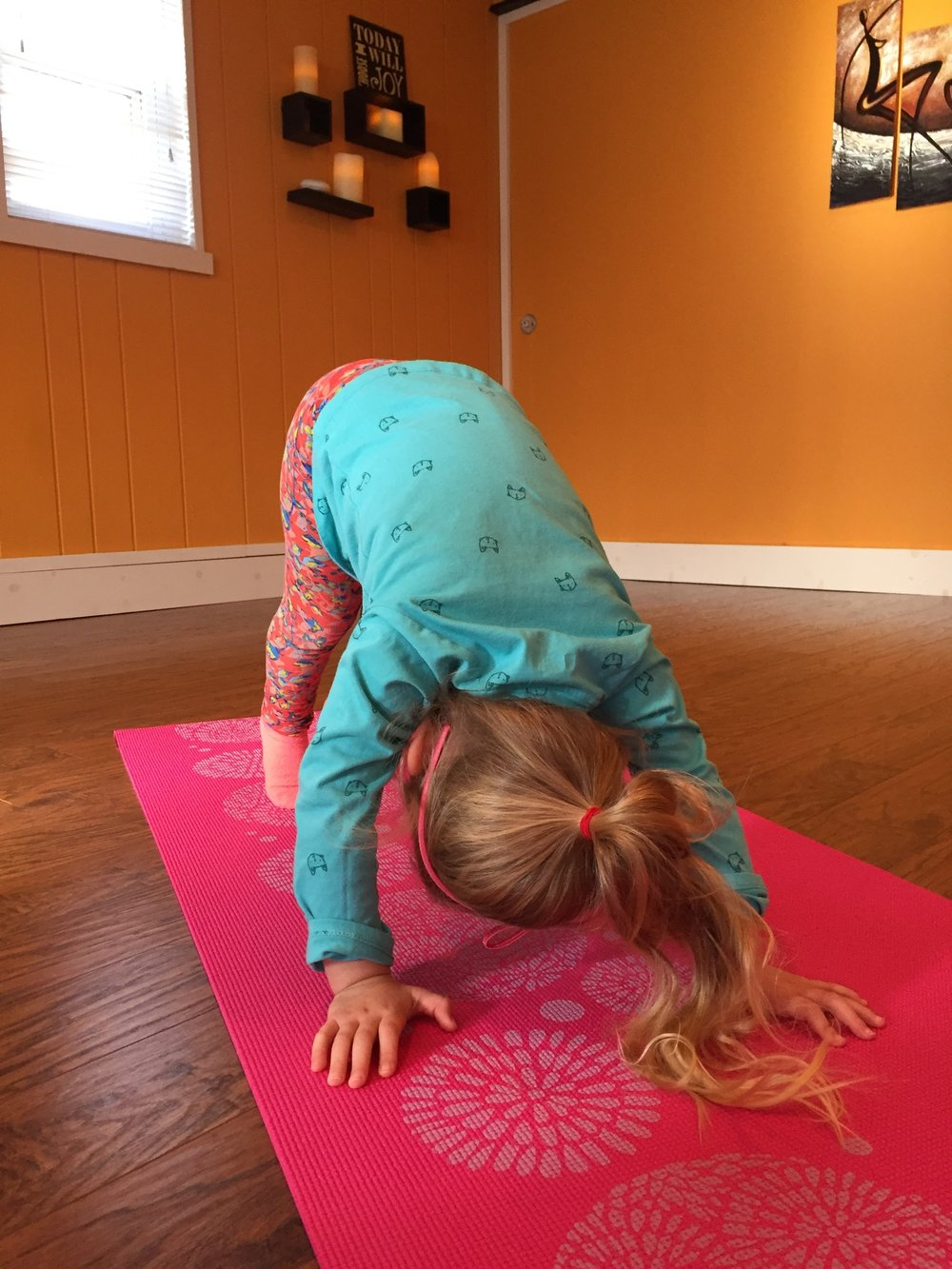 Kids Yoga (ages 3-5): 10:00am