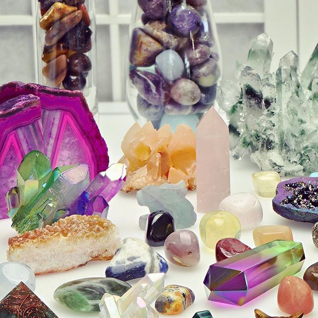 Quartz is the most powerful healing and energy amplifier on the planet. -Judy Hall #SaveTheLions 🦁