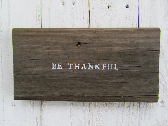 Rustic thankful sign.