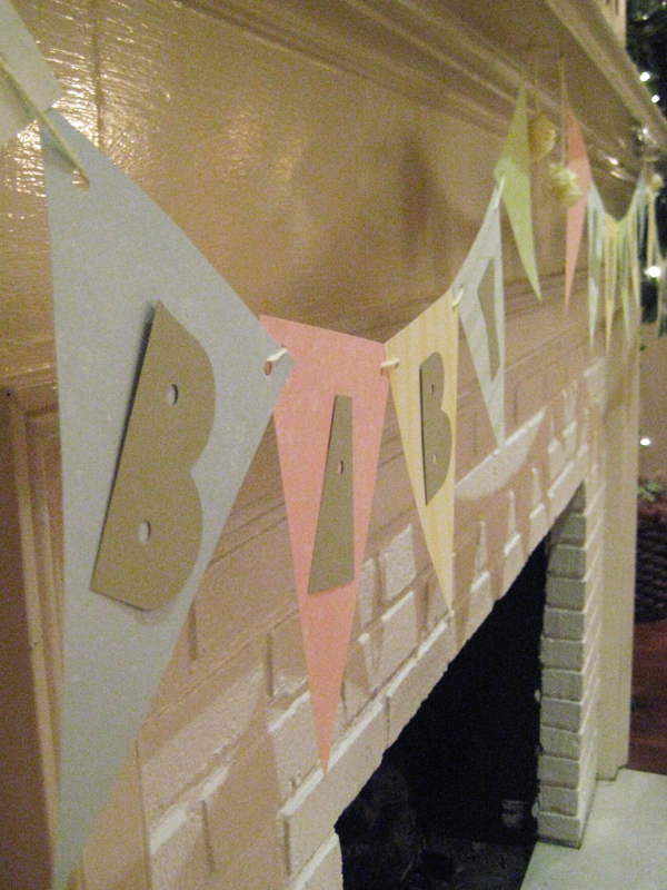 A close-up on the bunting.