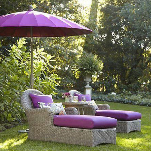 Garden furniture in orchid.