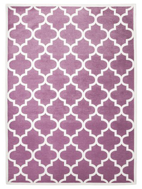 Trellis patterned rug in orchid.