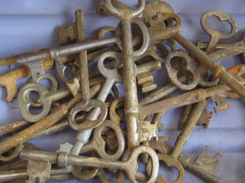 Collection of antique skeleton keys.