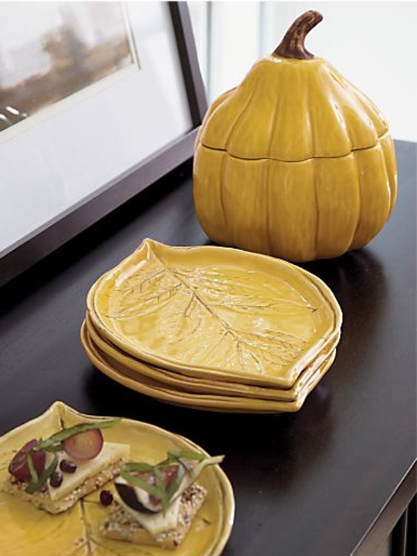 Leaf and Gourd decor.