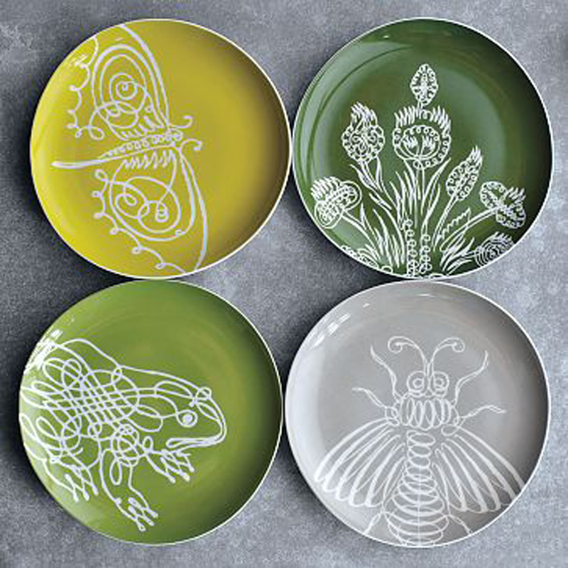 Set of four plates.