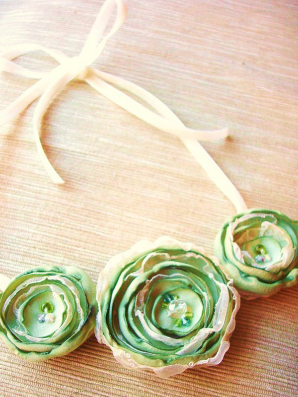 Handmade green flower necklace