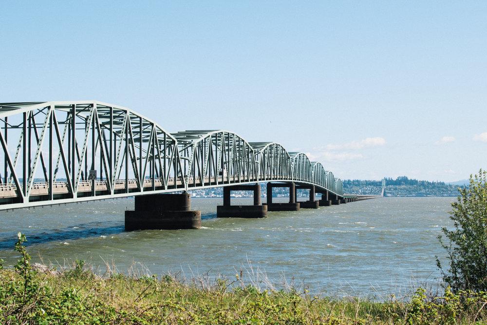 The 4 mile long bridge between Oregon and Washington