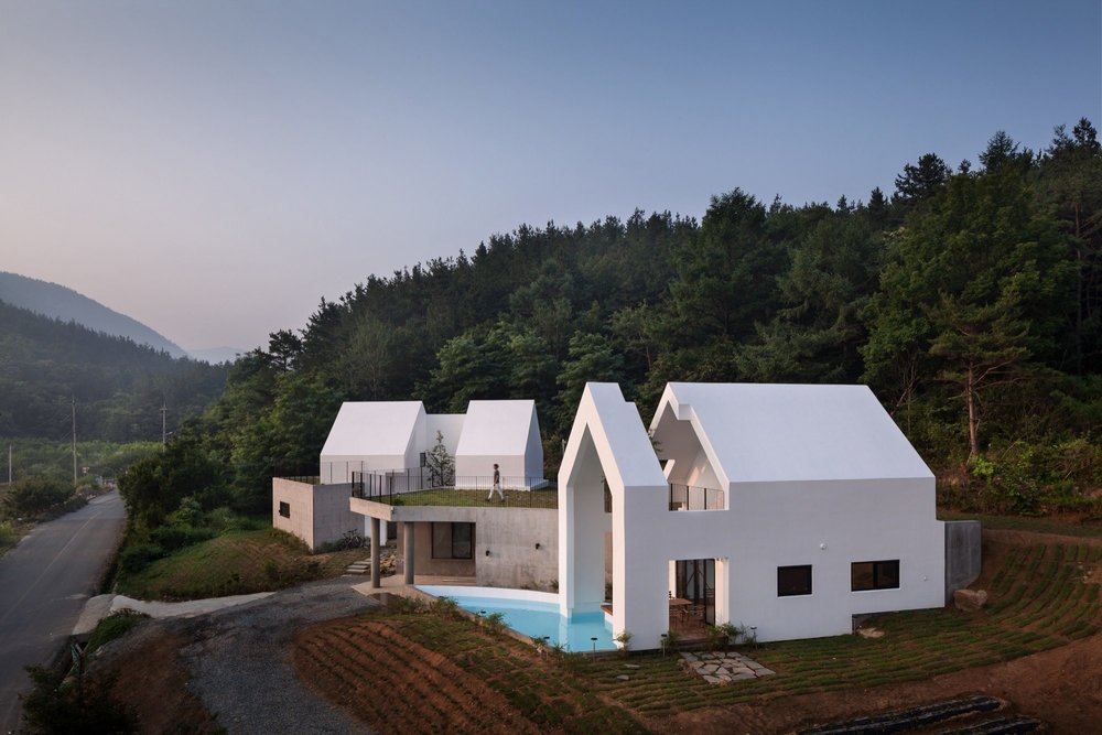 Baomaru House designed by Rieuldorang Atelier