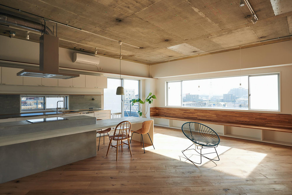 Sunny B designed by Tenhachi