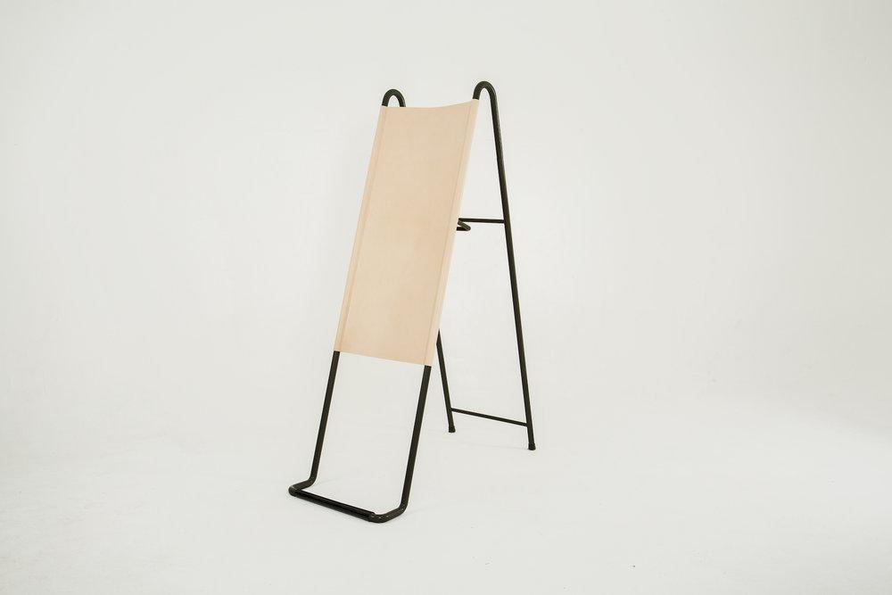 Paradosso designed by Pierre-Emmanuel Vandeputte