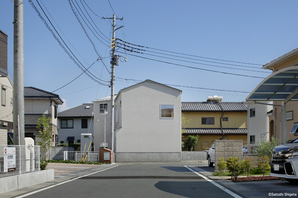Front House designed by uenoa