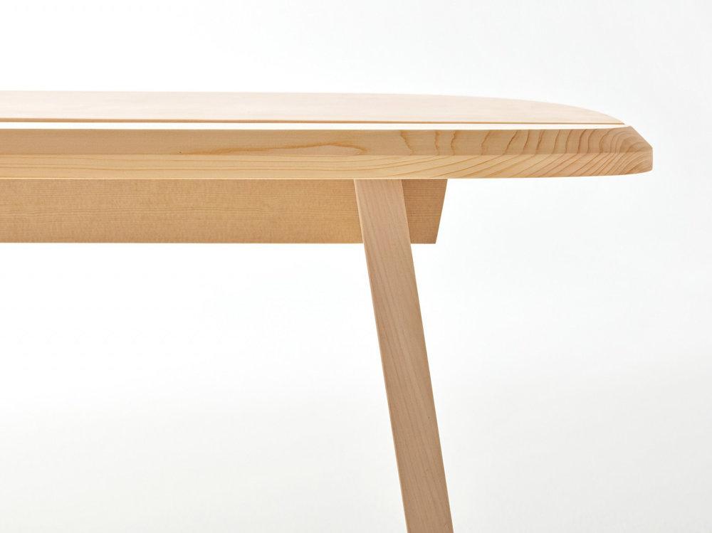 Stool Series designed by Jasper Morrison x Wataru Kumano