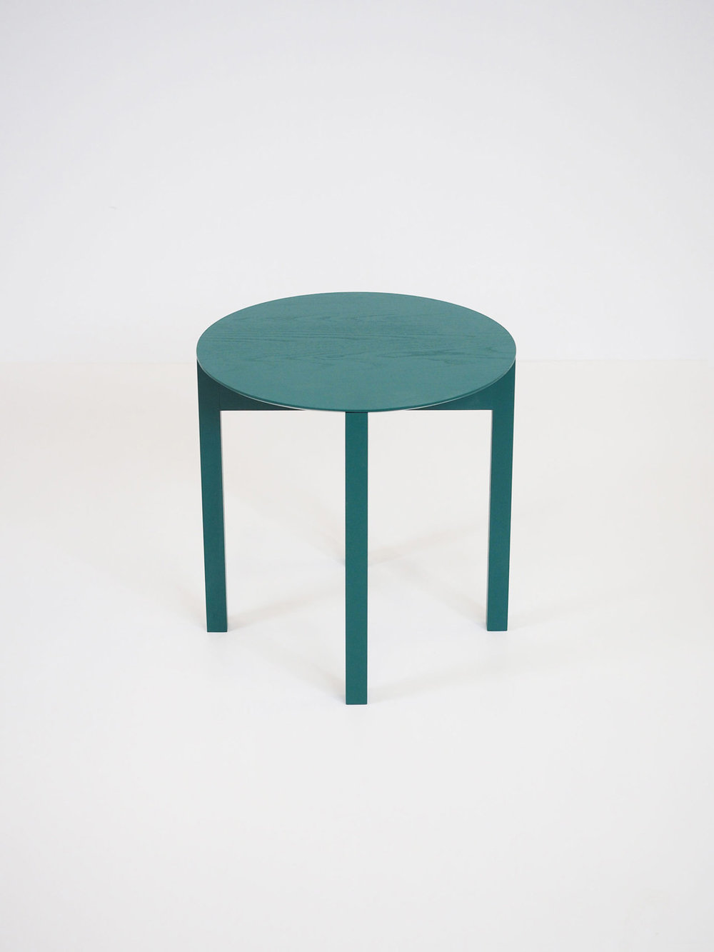 Celinde designed by Lukas Klingsbichel