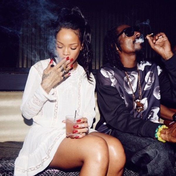rihanna-snoop-dogg-smoke-together.jpg