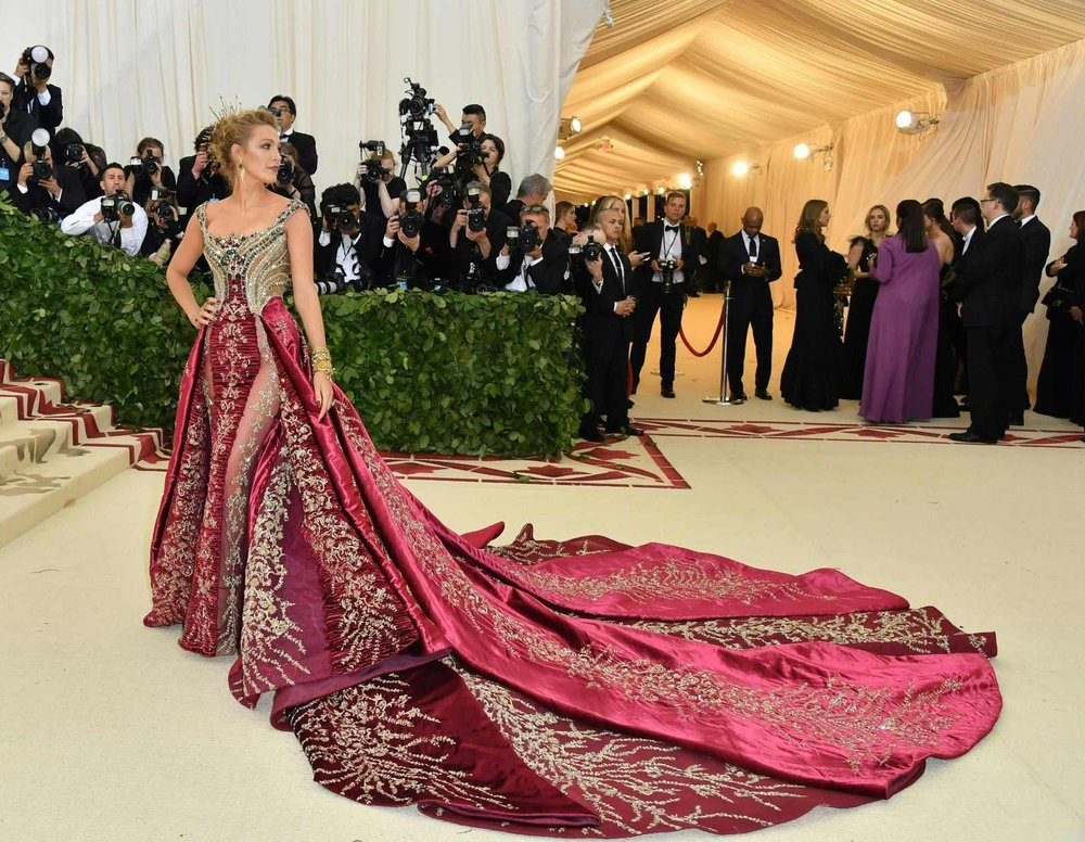 chp_export_176857803_blake-lively-arrives-for-the-2018-met-gala-on-may-7-2018-at-the-metropolita1.jpg