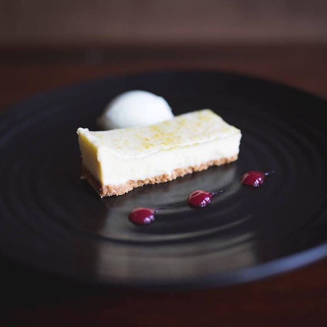 We're all going crazy for this! Gin & Tonic Cheesecake with an Elderflower Glaze, served with Lime Sorbet & Raspberry Coulis. Available now on our new menu! ______________________________________ #ginandtonic #cheesecake #elderflower #gin #dessert #cake #newark #nottingham #nottinghamshire