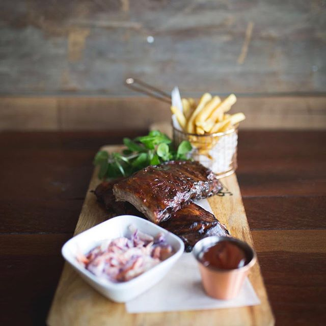 Who could enjoy a full rack of Bourbon #BBQ ribs right now? #thewatersedge #newark #nottingham #riverside