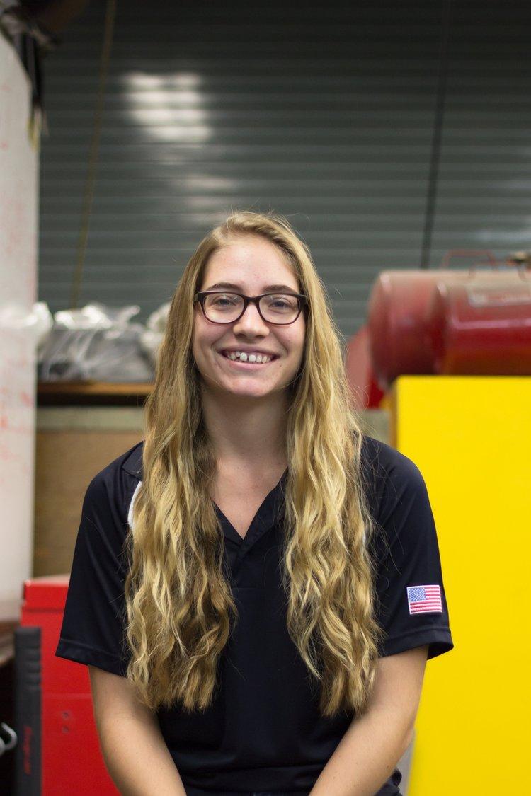 Rachel Hansen   Headers/Mufflers Captain   rmhansen@cpp.edu
