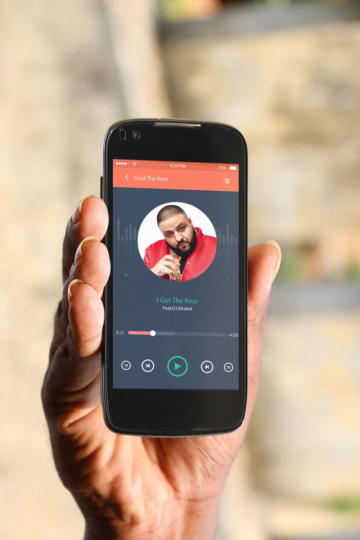 key4 smart phone mock-up -03-Vertical.jpg