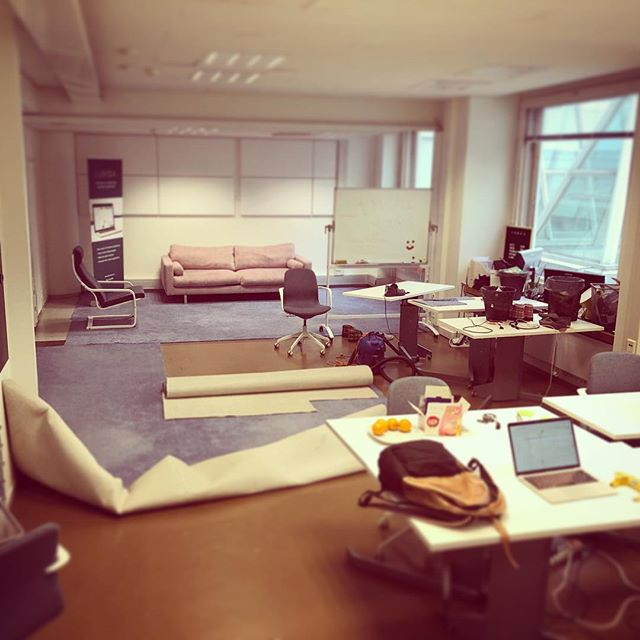 Moving to new room! #lumoa #moving #office