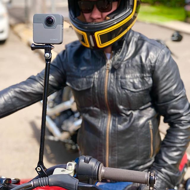 Awesome working with Elliott from @elliott.motorcycles on another exciting project. 360 babe #bondifilms #goprofusion #360motoring #360world #gopro #motorcycle #custombike @bondifilms @edgardferreira_
