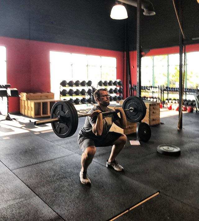 @lookatthatguygo on those thrusters 😃  #crossfit #nnac #fitfam #reno #nevada #fitness #fit #barbells