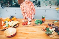 Kate chopping veg.jpg