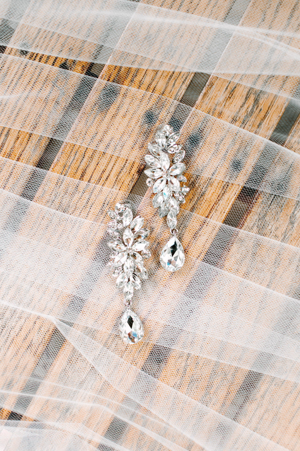 Knoxville Photographer Classic Outdoor Wedding Bride Earrings
