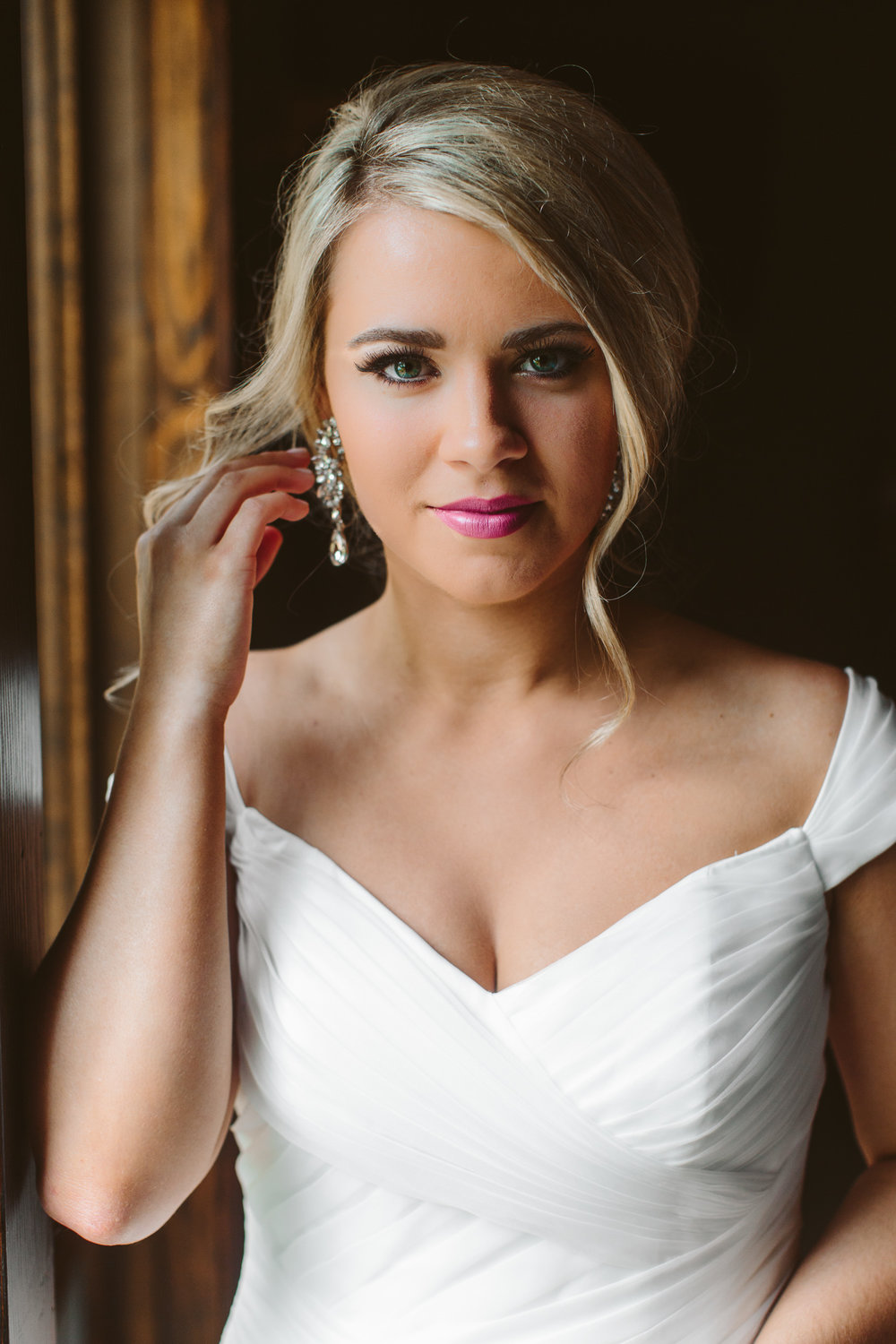 Knoxville Photographer Classic Outdoor Wedding Bridal Portraits Window Light