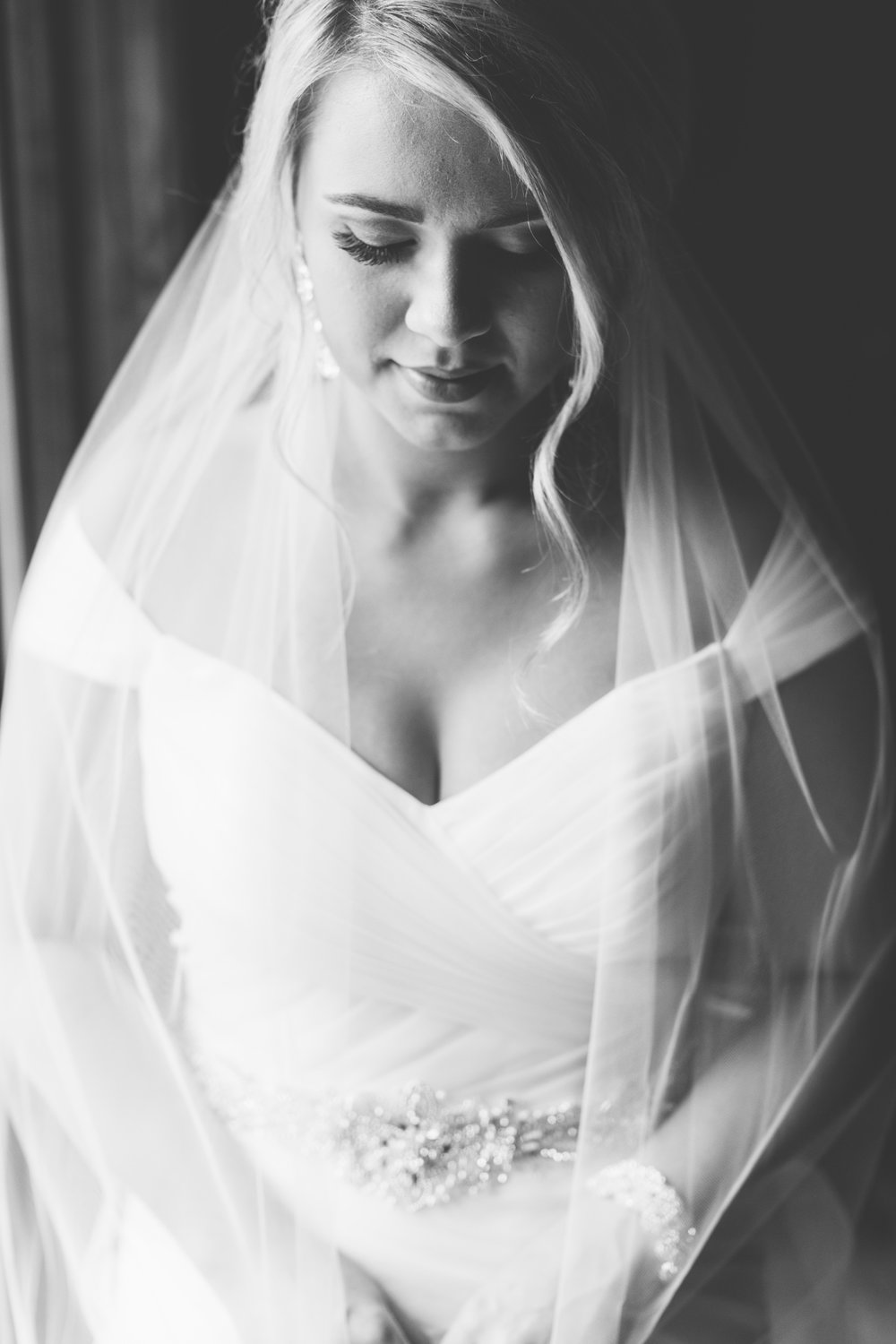 Knoxville Photographer Classic Outdoor Wedding Window Light