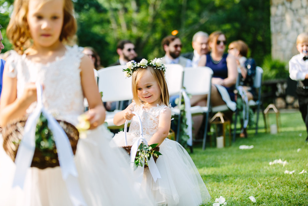 Knoxville Photographer Classic Outdoor Wedding Flower Girls