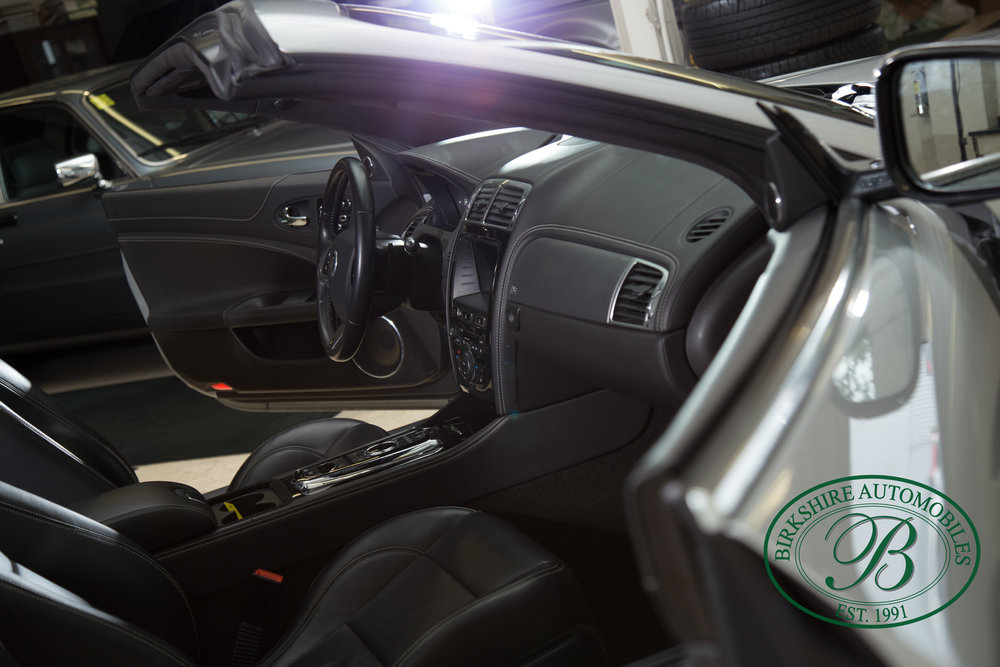 Birkshire Automobiles 2013 Jaguar XKR-133.jpg