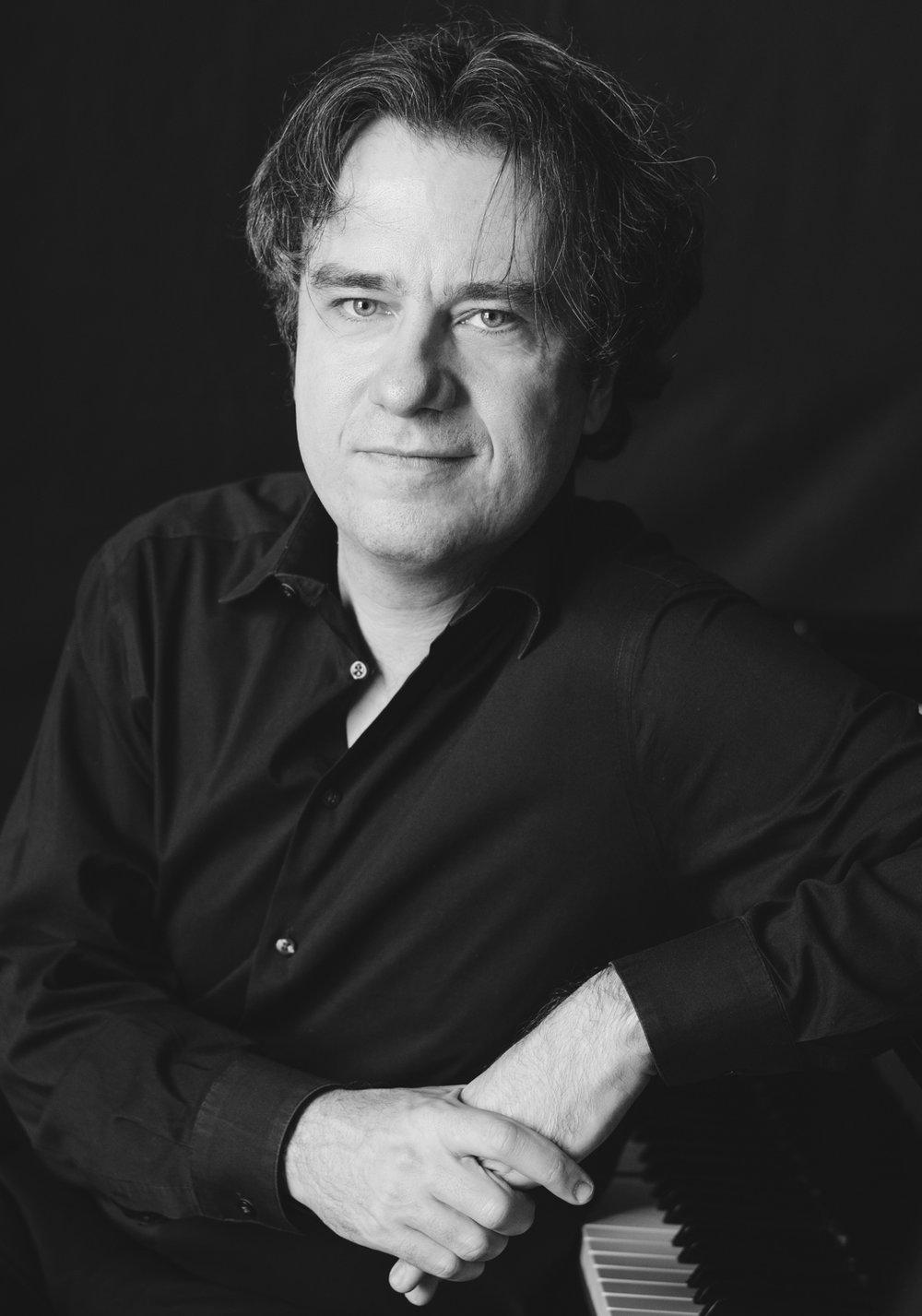 Vladimir Valjarevic, pianist